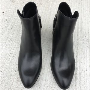 Frye Ankle Booties 7.5 Black Leather Zippered